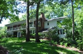 432 Riverview Drive Ann Arbor, MI 48104 Photo 1