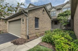 546 Galen Circle #23 Ann Arbor, MI 48103 Photo 9