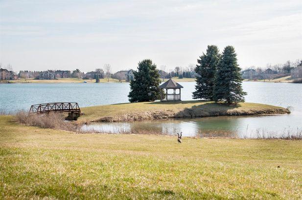 9057 Mirage Lake Drive - Photo 54