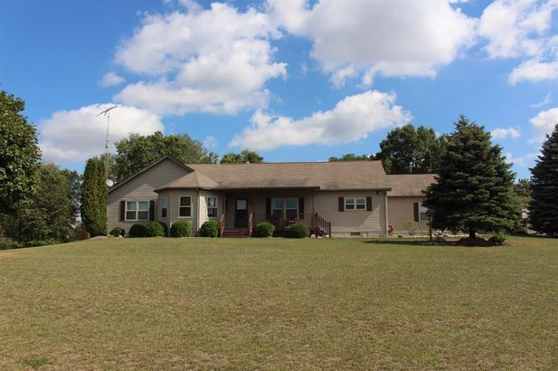 3412 Fishville Grass Lake MI 49240