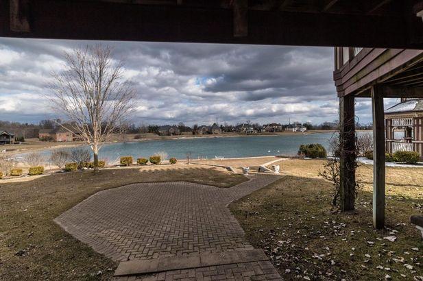 9155 Mirage Lake Drive - Photo 8