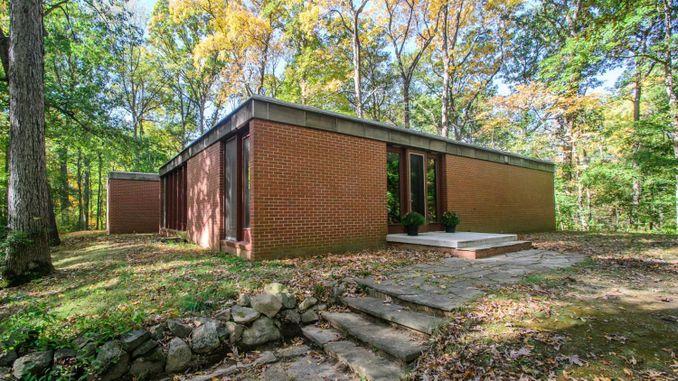 3440 Woodland Road Ann Arbor, MI 48104