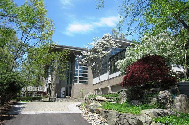 390 Meadow Creek Ann Arbor MI 48105
