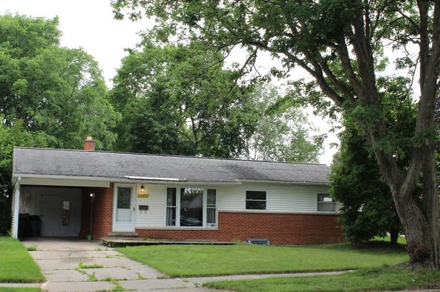 457 Hollywood Drive Saline MI 48176