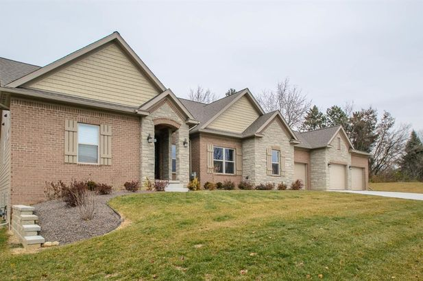 465 Amherst Circle - Photo 3