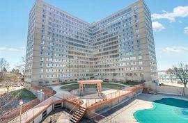8900 E JEFFERSON Unit 627 Avenue #627 Detroit, MI 48214 Photo 2