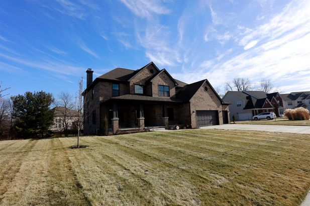 1465 Whispering Maples Drive #33 - Photo 4