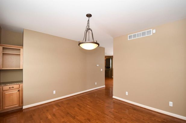 2011 Hollow Oak Drive - Photo 5