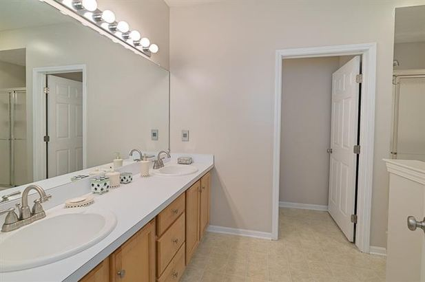 1408 Fox Pointe Circle - Photo 28