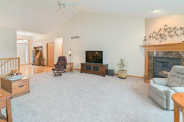 7585 Woodbrook Road - Photo 4