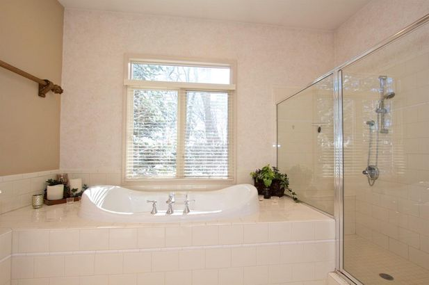 9835 Whisperwood Lane - Photo 42