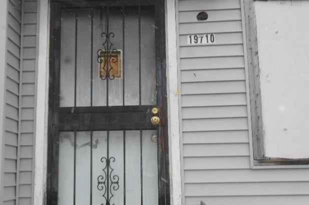 19710 FENMORE Street - Photo 2