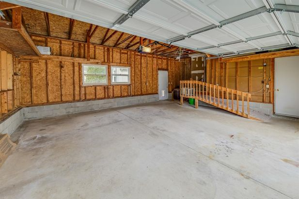 629 West Middle Street - Photo 4