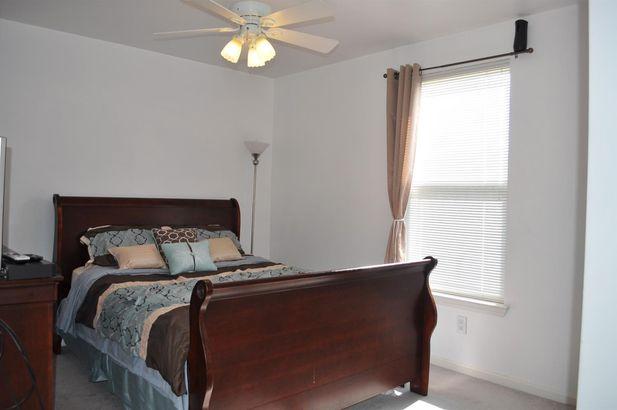 6438 Oakhurst Drive - Photo 9