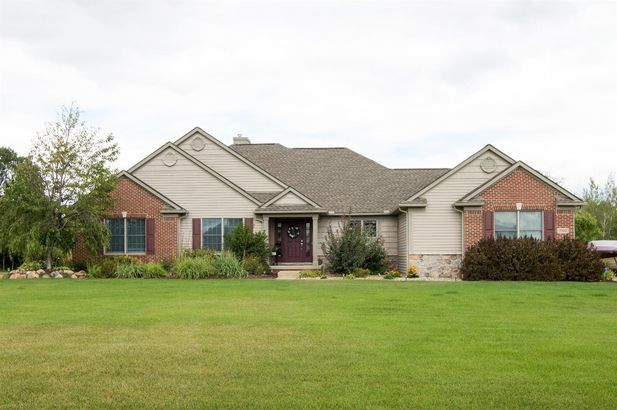 2142 Windmill Way Saline MI 48176