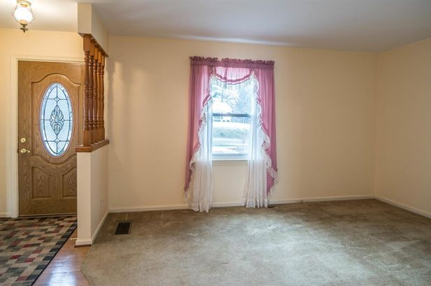 207 West Russell Street - Photo 3