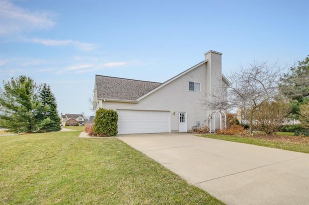 1279 Deer Run - Photo 45
