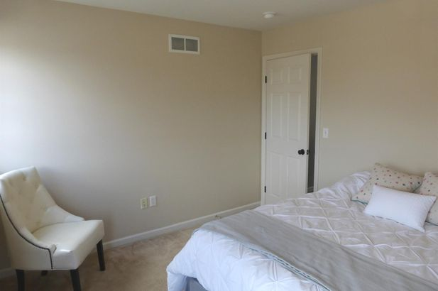 648 Honeysuckle Lane - Photo 32