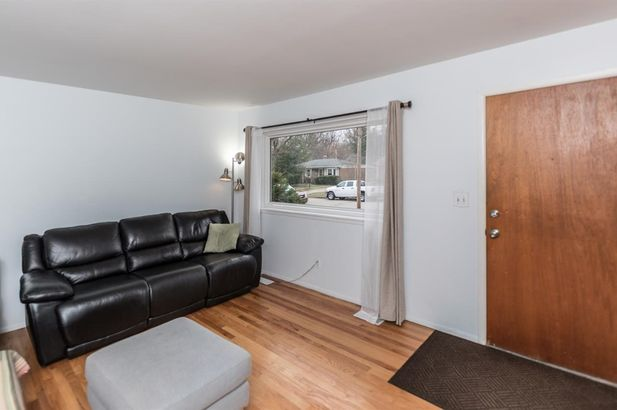 550 Lynne Avenue - Photo 4