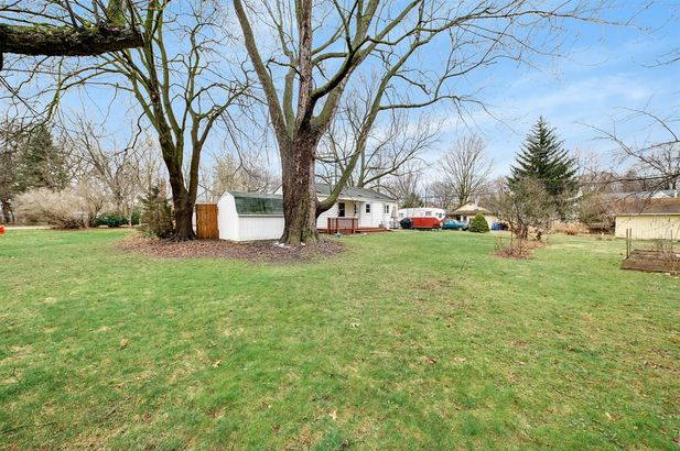 2720 Valley Drive - Photo 4