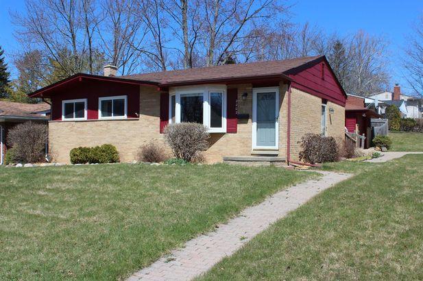 2202 Faye Drive Ann Arbor MI 48103