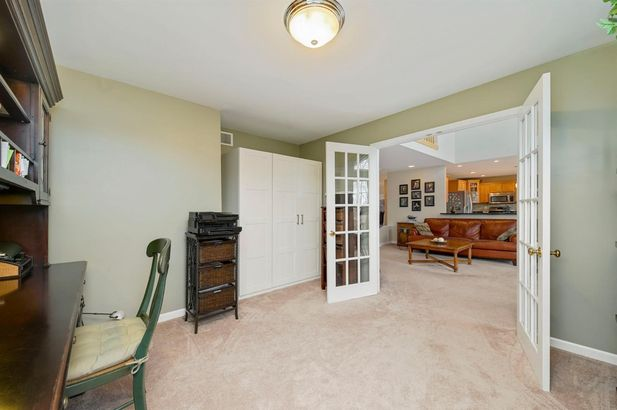332 Pembroke Drive - Photo 9