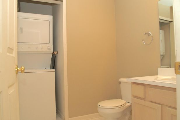 1866 Lindsay Lane - Photo 5