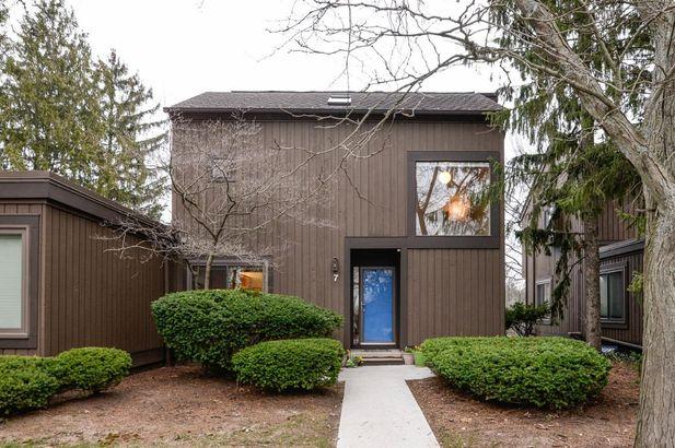 7 Westbury Court Ann Arbor MI 48105