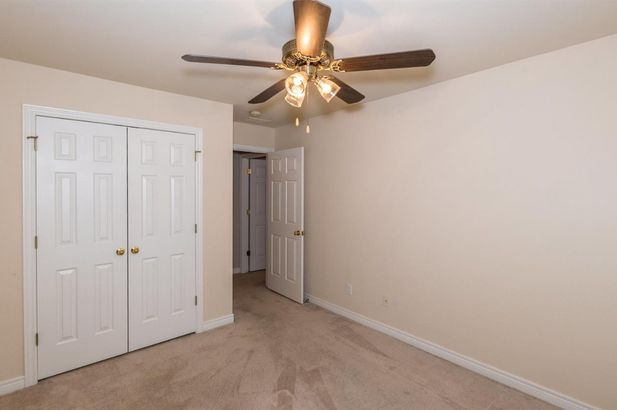 5567 Hampshire Lane - Photo 18