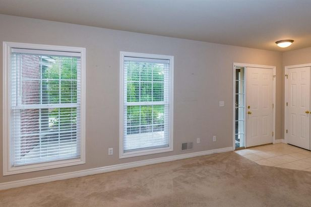 5567 Hampshire Lane - Photo 4