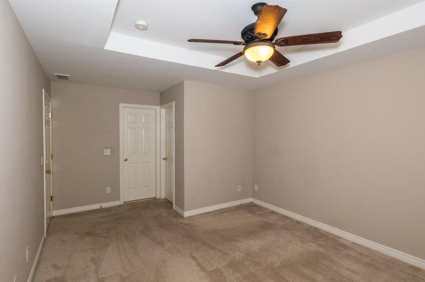 5567 Hampshire Lane - Photo 7