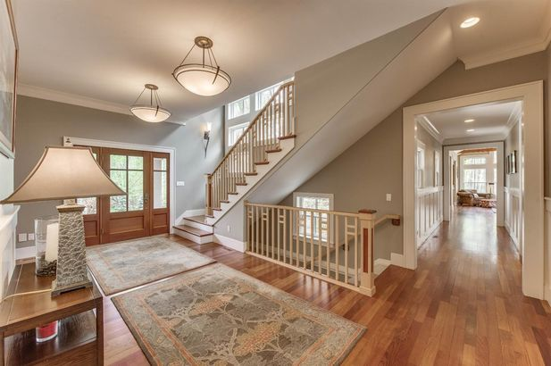 5400 North Meadow Court - Photo 2