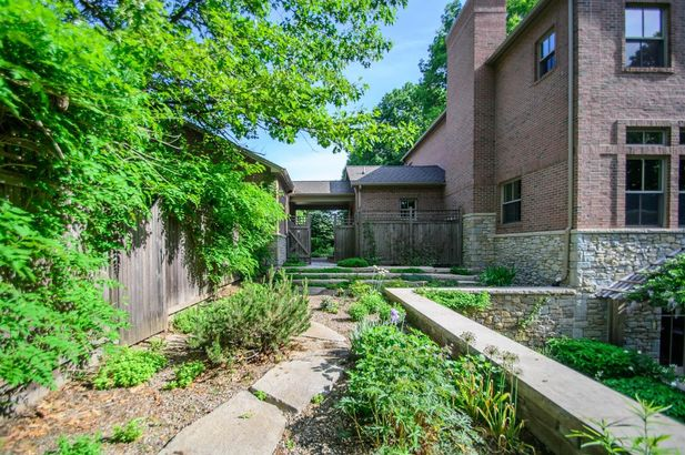 5400 North Meadow Court - Photo 73