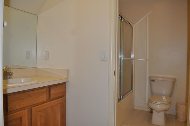4409 Lakeside Court - Photo 30