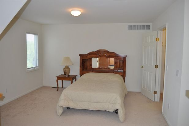 4409 Lakeside Court - Photo 34