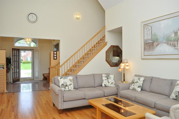 4409 Lakeside Court - Photo 6