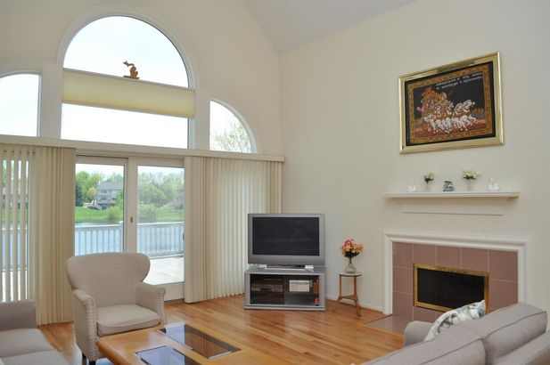 4409 Lakeside Court - Photo 9