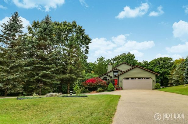 7915 Stonehedge Valley Drive - Photo 11