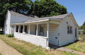 615 W CUMMINS Street Tecumseh, MI 49286 Photo 2