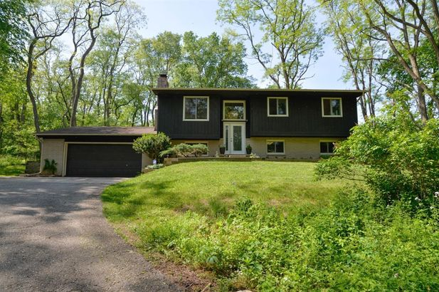 2785 Peters Road - Photo 2