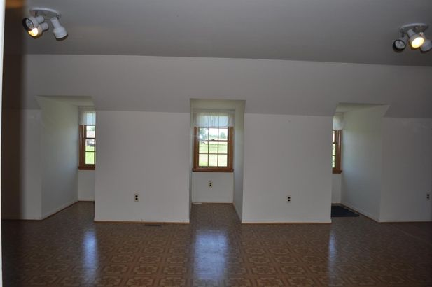 9633 Clinton Road - Photo 31