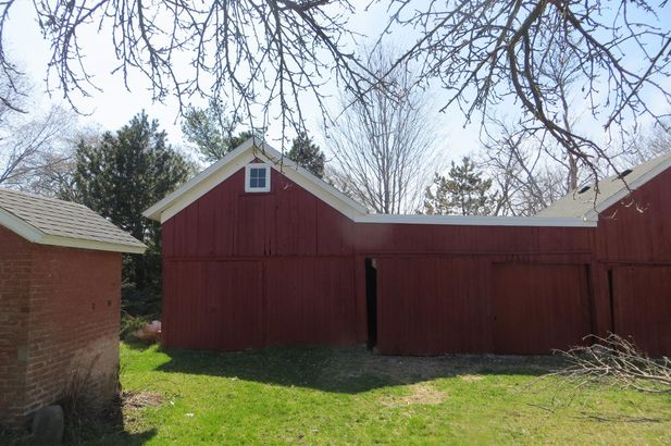 2210 Struthers Road - Photo 21