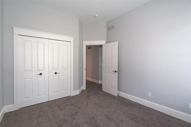 816 East Barrington Circle - Photo 20