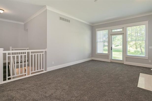 816 East Barrington Circle - Photo 4