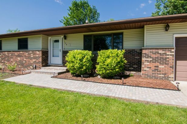 126 South Clubview Drive - Photo 2
