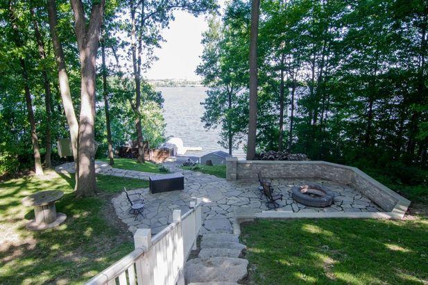 7997 Lake Crest Drive - Photo 4