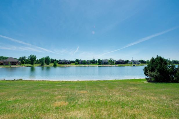 9171 Mirage Lake Drive - Photo 2