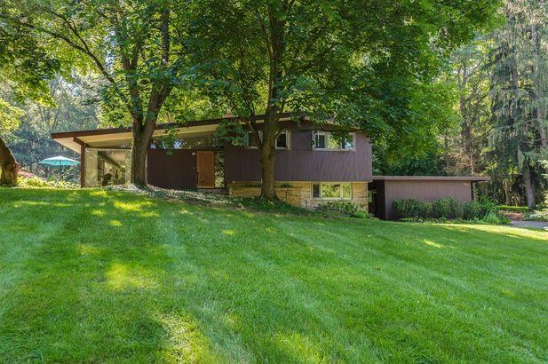 4056 Thornoaks Drive Ann Arbor MI 48104