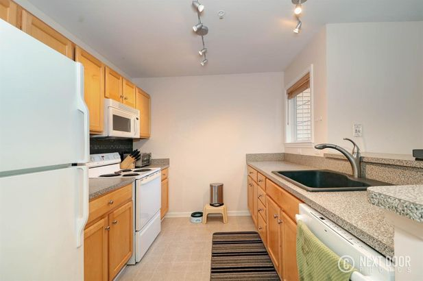 2822 Barclay Way #61 - Photo 7