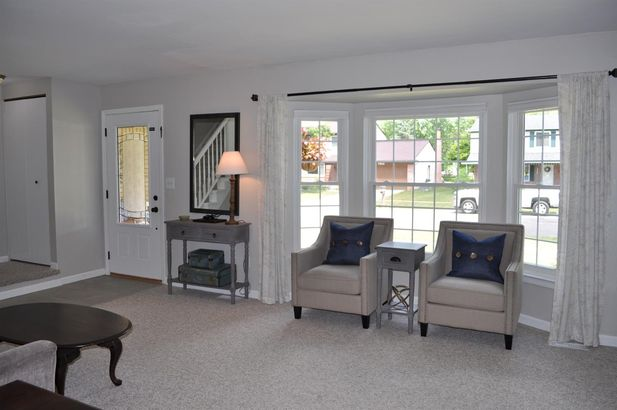 7916 Raintree Drive - Photo 3